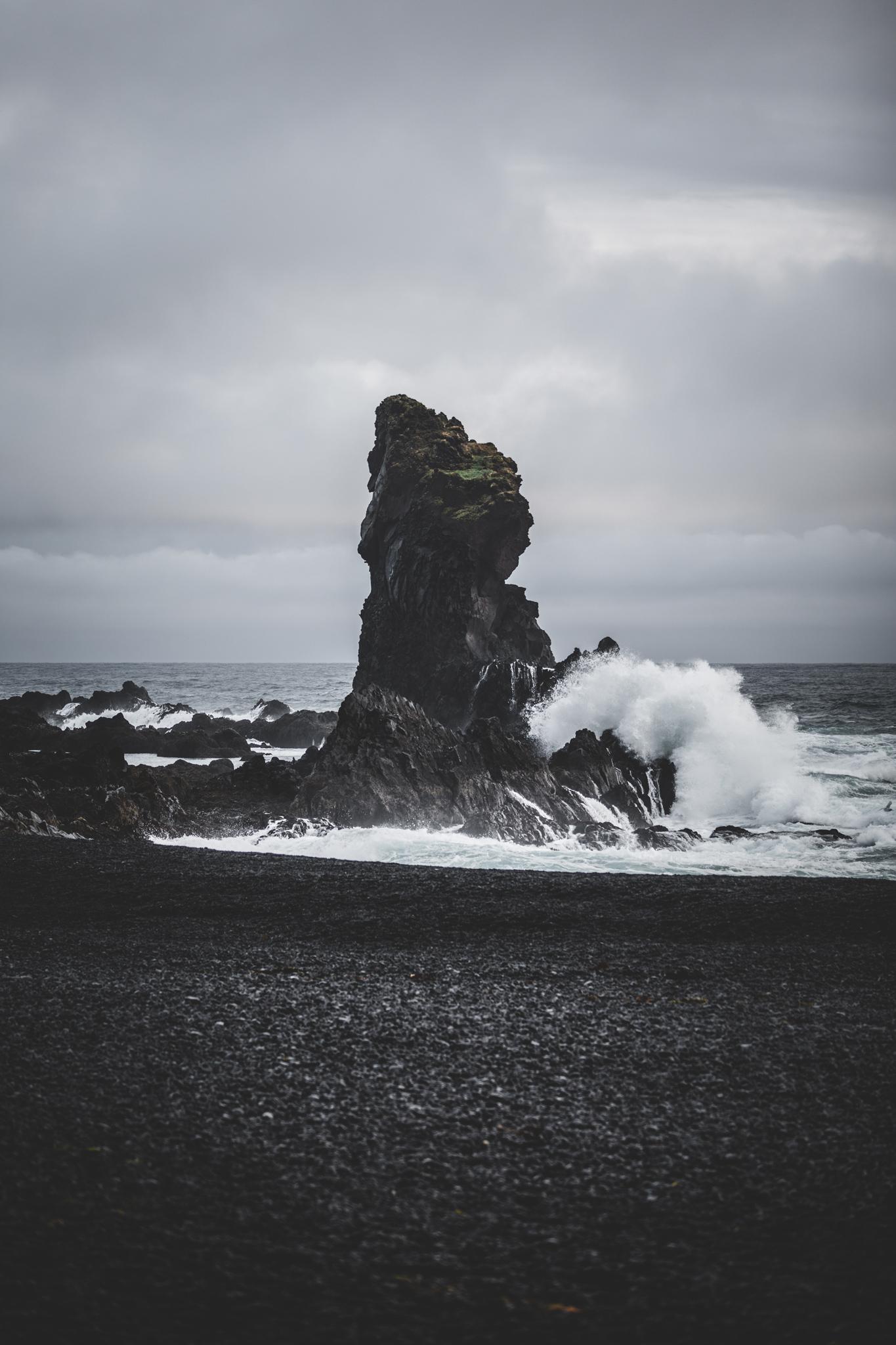 Black Beach Snaefellsnes in Island